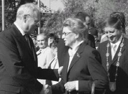 Prezident SR I. Gašparovič se Zojou Klusákovou.